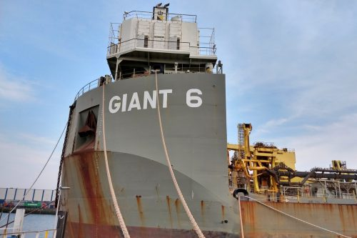 Get close to the big ships in the Waalhaven